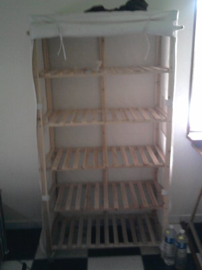 etag re bois tissu photos meubles vendre. Black Bedroom Furniture Sets. Home Design Ideas