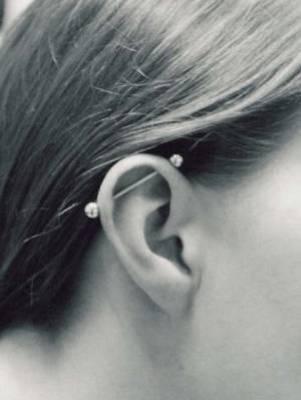 Piercing piercings et tatouages forum ados beaute mode - Tatouage derriere oreille douleur ...